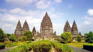 prambanan 300x169 Jogjakarta Tour   Borobudur and Prambanan