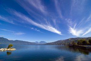 Danau Singkarak Sumatra Barat 300x200 Tour Sumatra Barat   Mengenal lebih dekat masyarakat Minangkabau