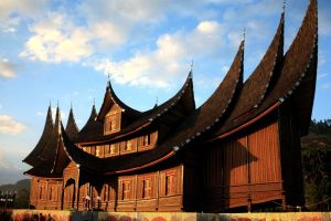 Rumah Gadang Istana Pagaruyung Sumtra Barat 300x200 West Sumatra Tour   get closer to Minangkabau community