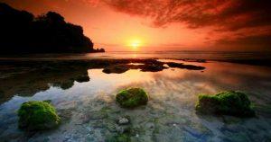 padang padang beach sunset 300x158 Pantai Padang Padang Bali