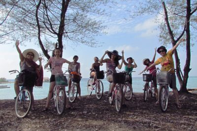 Cycling in Pari island 400x267 Welcome