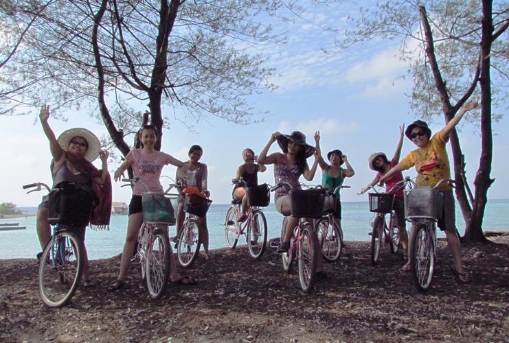 Cycling in Pari island