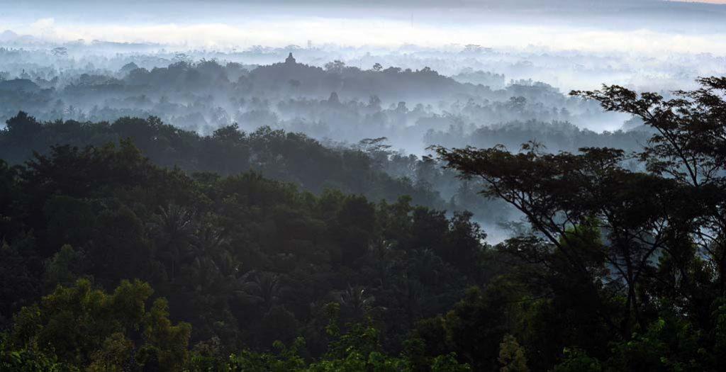 Punthuk Setumbu Borobudur sunrise view