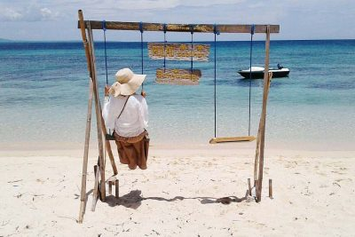 Relaxing in Tabuhan island