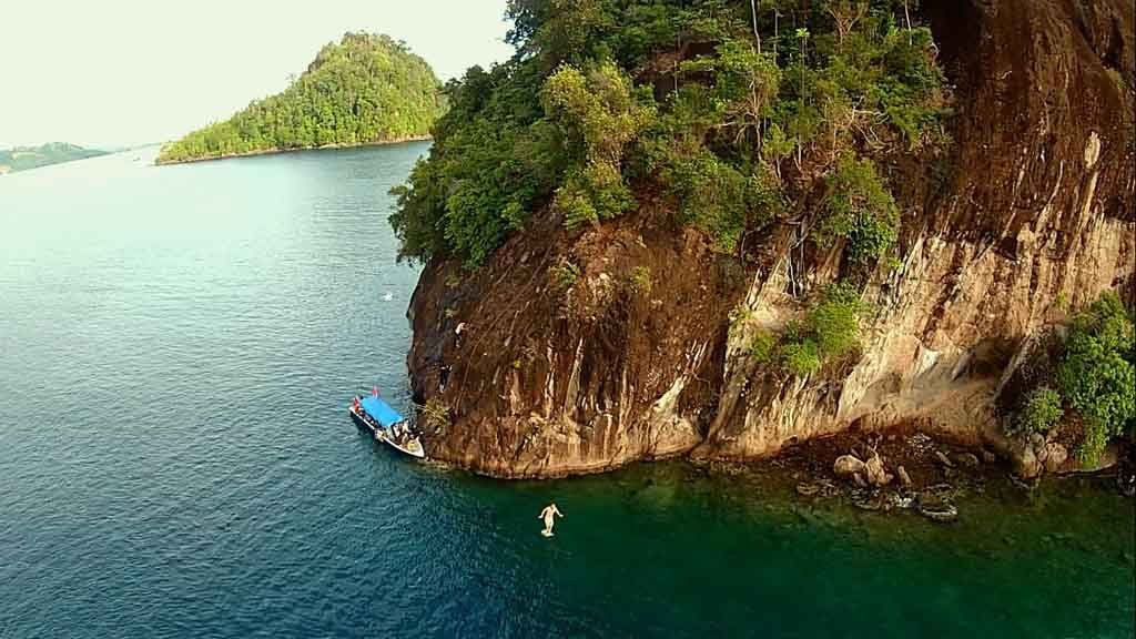 Cliff Jumping Spot Mandeh islands