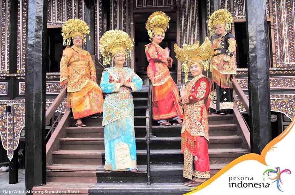 Pakaian Adat Minangkabau