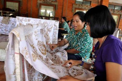 Batik class tour program