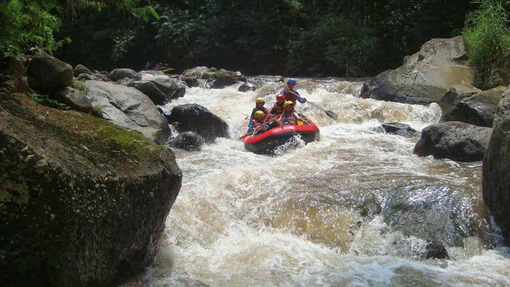 Rafting adventure at Kaliwatu