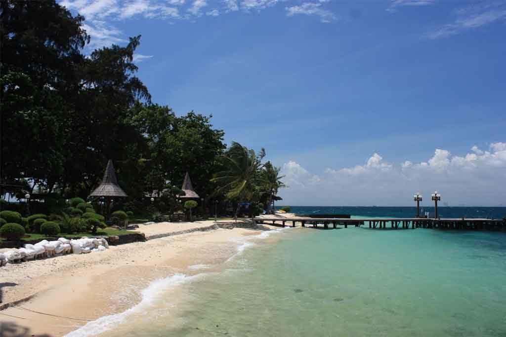 Pantai Pulau Ayer