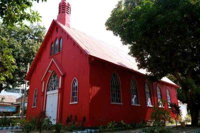 Gereja Merah Probolinggo 400x267 Search tour package