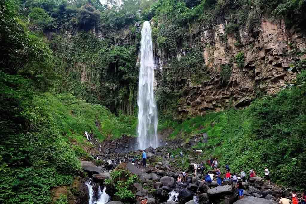 Grojogan Sewu waterfall 1024x683 Daftar Destinasi Wisata Malang Instagramable